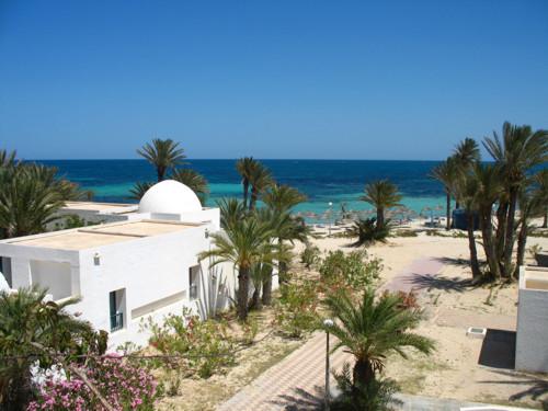 Tres pequeñas ciudades en la isla de Djerba