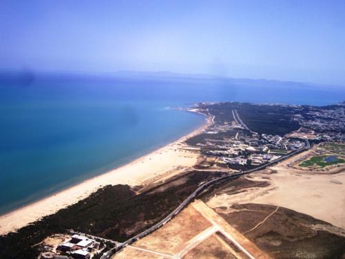 El Ghazala, parque tecnológico y playas