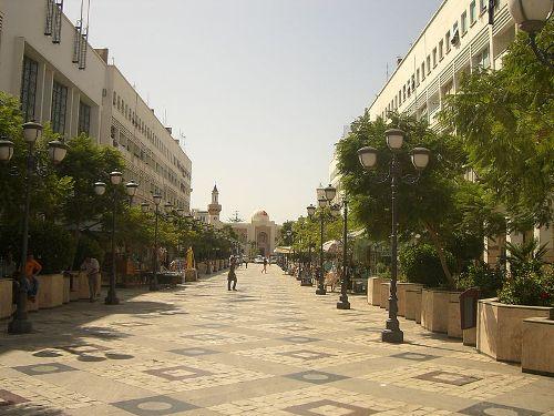 Calle Hedi Chaker, en Sfax